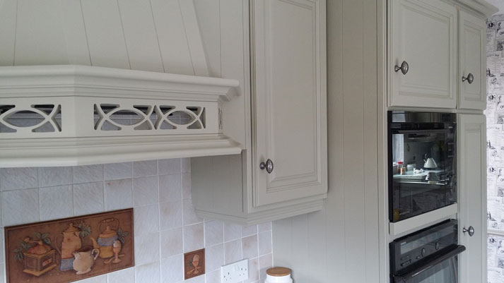 Stapleford kitchen finished canopy