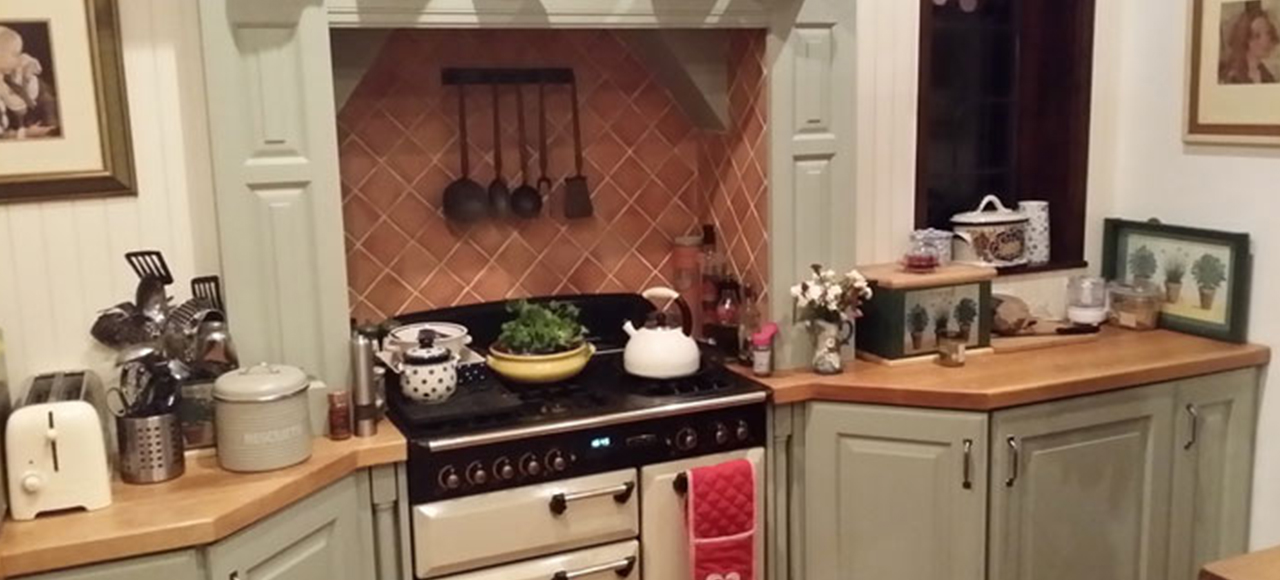 Terrific Hand Painted Kitchen Cabinets In Woodthorpe Nottingham Download Free Architecture Designs Estepponolmadebymaigaardcom