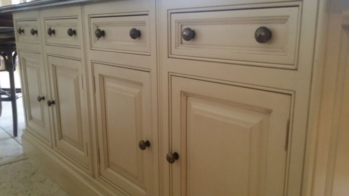 Hand paint 39 clive christian 39 kitchen in beeston - Clive christian kitchen cabinets ...