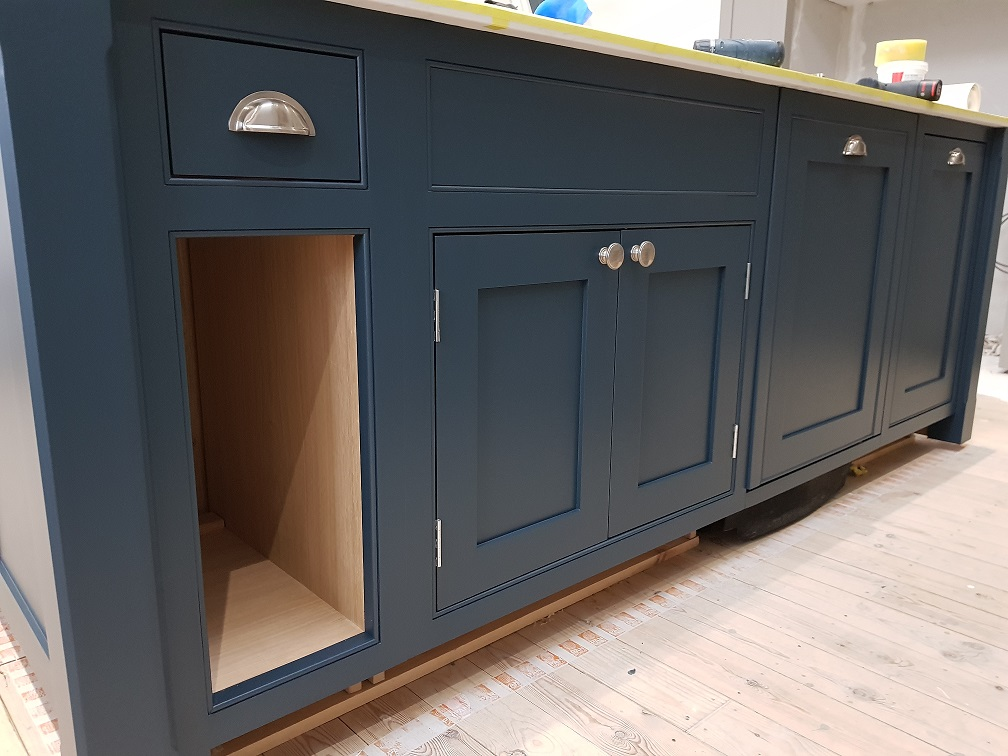 kitchen painter yorkshire, hand painted kitchen yorkshire, hand made kitchen