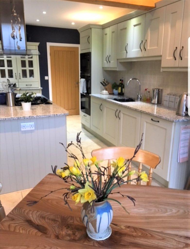 painting oak kitchens
