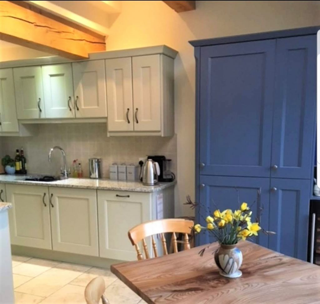 Painting oak kitchens